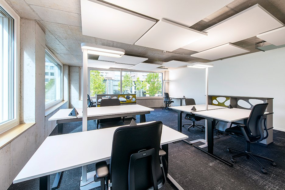 Office/project space with 12 workspaces