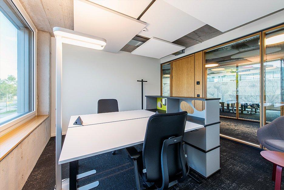 Büro/Projektraum mit 9 Arbeitsplätzen