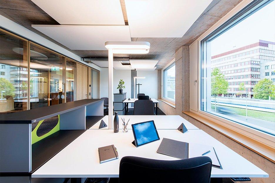 Büro/Projektraum mit 4 Arbeitsplätzen