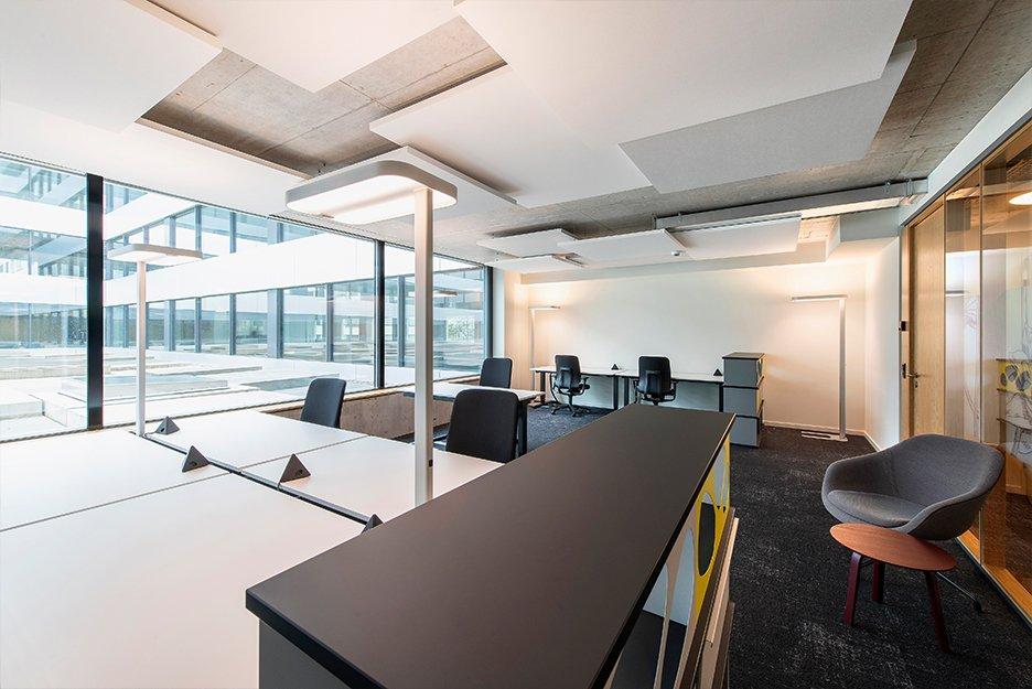 Büro/Projektraum mit 7 Arbeitsplätzen